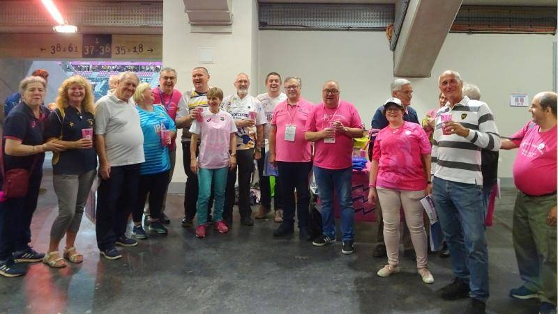 Worcester's fans and Les Amis du Stade Français Paris before Stade vs Worcester